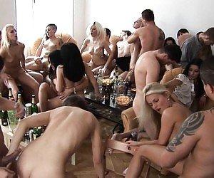 Girls Group Sex XXX